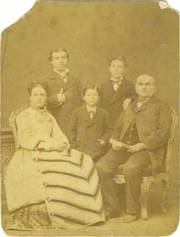 Francesco D´Ángelo, Giseppa Pappalardo, Antonino, Michel y Luiggi, Palermo – Sicilia – Italia.